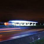 Autobahn in der Dunkelheit